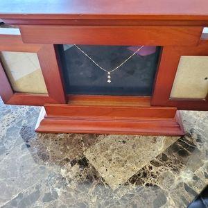 3 pieces:14k GOLD/DIAMOND Necklace w/Wood Display